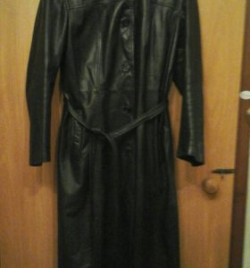 Продаю кожанное пальто европа 46-48 р 1500р