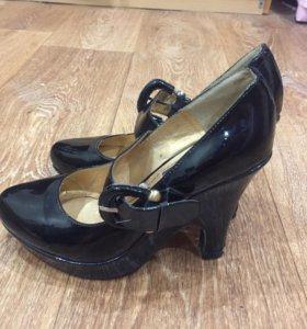 Туфли каблук лаковые