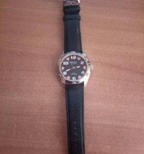 QMAX часы