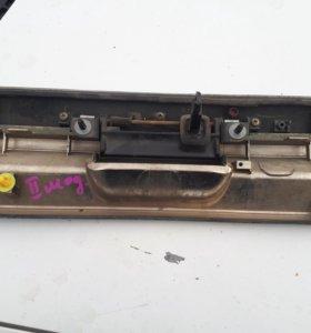 Ручка пятой двери, тойота гайа 2002 год .