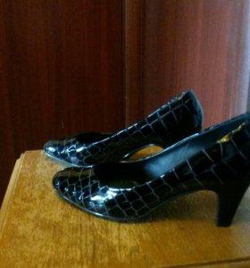 Туфли раз39  каблук 5,5-6 см