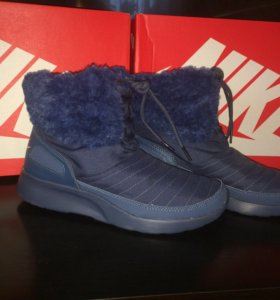 Сапоги ( кроссовки) Nike р. 38