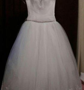 Свадебное платье новое 46 размер
