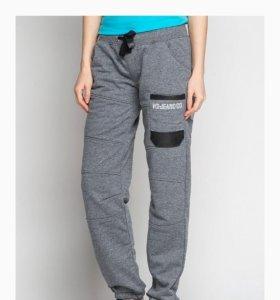 спортивные брюки46р