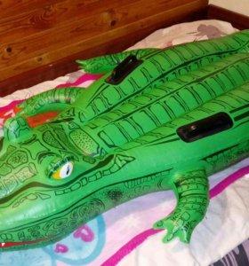 Надувной матрас (крокодил)