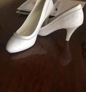 Туфельки свадебные, подойдут на выпускной