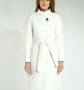 Стильное,  кашемировое пальто