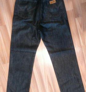 Новые джинсы на подростка