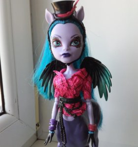 Кукла Monster High Авея Троттер
