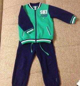 Спортивный костюм на мальчика, размер 98