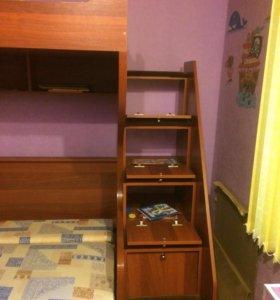Двухъярусная кровать с рабочим местом