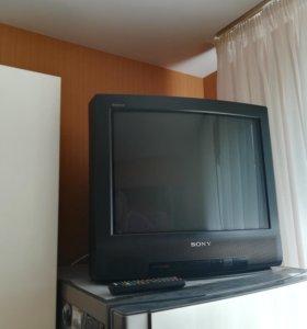 Телевизор в идеальном состоянии sony
