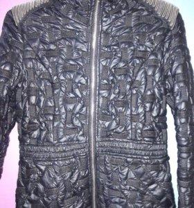 Осенняя куртка для девушки.