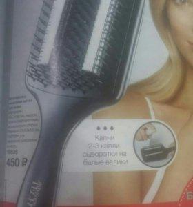 Расческа для удобного нанесения масла на волосы