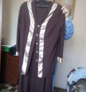 два костюма с юбками