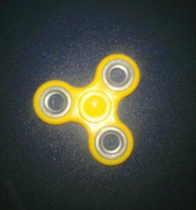 Желтый спинер