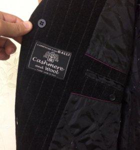 Продаю пальто муж.