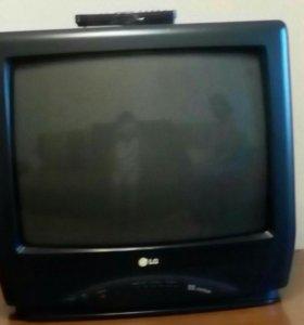 Телевизор—LG,в хорошем состоянии.