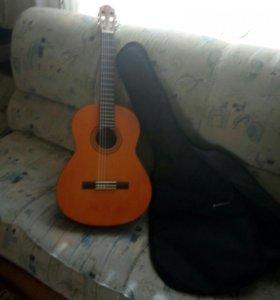 Гитара фирмы-YAMAHA