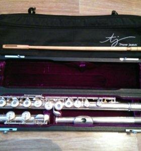Флейта Trevor James