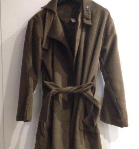 Пальто на осень 46-48 размер