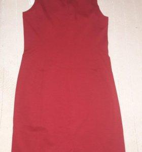 Платье-футляр новое