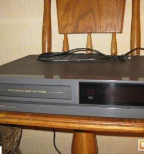 Видеомагнитофон Toshiba  V800SR с видеокассетами