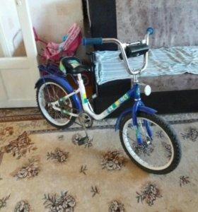 велосипед 4-8лет