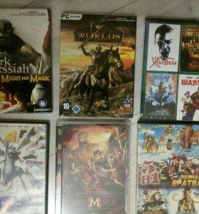 7 дисков с фильмами и 12 игр