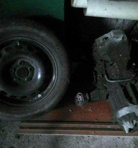 Двери,каропка передач м на ауди 100 45