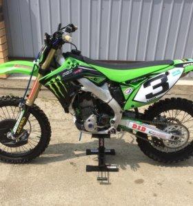 Продаётся кроссовый мотоцикл Kawasaki Kx250f