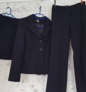 Пиджак с юбкой и брюками