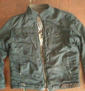 Две куртки осеняя,весеняя и джинсы