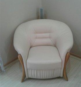 Мягкая мебель.Кожзам.В отличном состоянии.