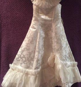 праздничное платье для девочки, как у принцессы.