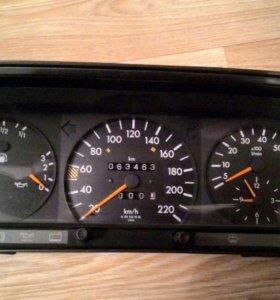 Приборная панель Mercedes-Benz W201 190