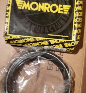 Опора стойки амортизатора 2шт, фирмы Monroe.