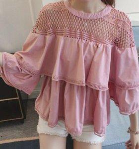 Женская блузка с воланом