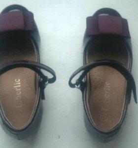 Лакированные туфли для девочки