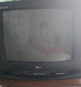Телевизор . Рабочий.