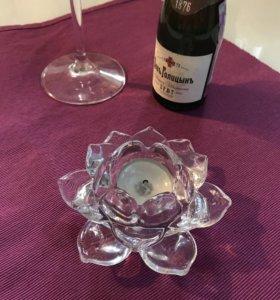 Подсвечник-роза из стекла