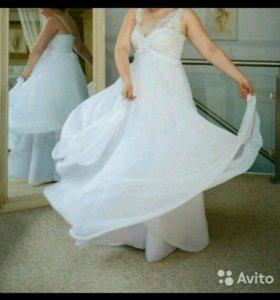 Свадебное платье,торг уместен
