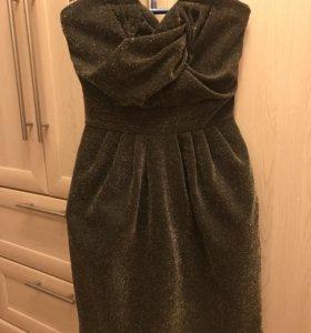 Мини платье с декольте