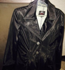 черная костюм куртка