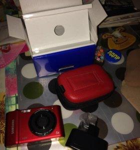 Фотоаппарат Samsung НОВЫЙ красный