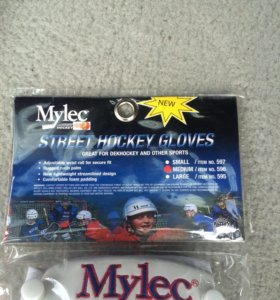 Перчатки для уличного хоккея