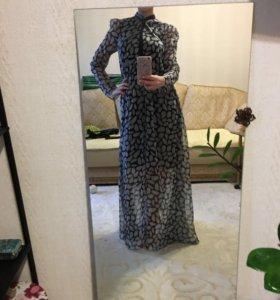 Платье как раз для нового года. Новое!