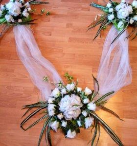 Лента из белого фатина для украшения свадебных маш
