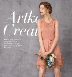 Вязанное приталенное платье Artka
