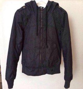 Куртка из водоотталкивающей ткани